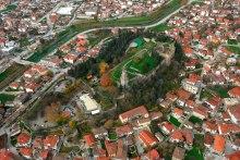 Αεροφωτογραφία του Κάστρου των Τρικάλων (© Δήμος Τρικκαίων).