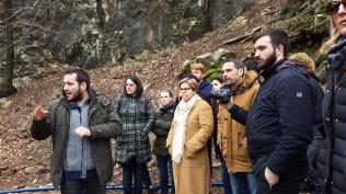 Εκπαιδευτική επίσκεψη με επιτόπου διδασκαλία στη γέφυρα του Αγ. Βησσαρίωνος στην Πύλη Τρικάλων, στο πλαίσιο του μαθήματος «Παθολογία και Εντατική Κατάσταση Ιστορικών Κτιρίων» με υπεύθυνο καθηγητή τον Δρ Αλέξανδρο Βαγγελάκο, Φεβρουάριος 2017. (© Α. Βαγγελάκος)
