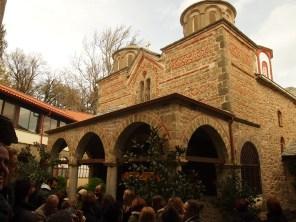 Εκπαιδευτική εκδρομή με επιτόπου διδασκαλία στην Ιερά Μονή Κορώνης του Νομού Καρδίτσης, στο πλαίσιο του μαθήματος «Ιστορία Αρχιτεκτονικής» με υπεύθυνη καθηγήτρια την Δρ. Αφροδίτη Πασαλή (© Α. Μωυσιάδης).
